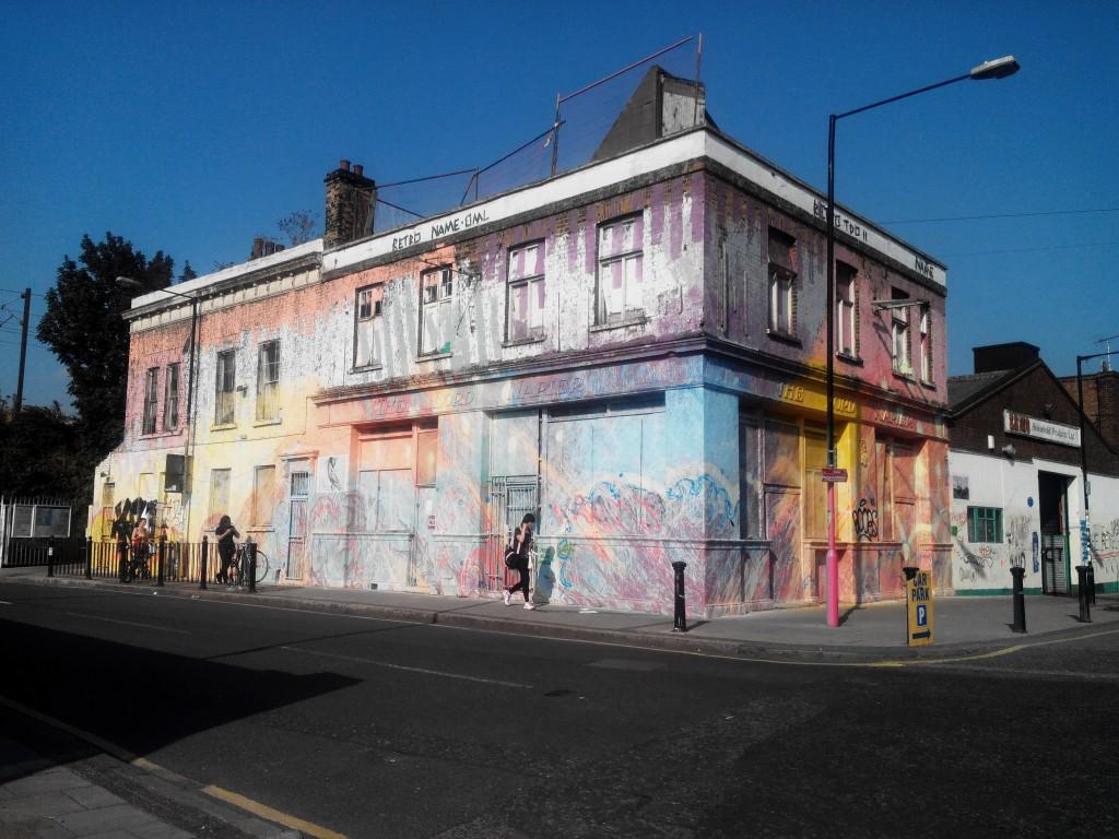 Hackney-Wick-Multi-Coloured-Pub-1